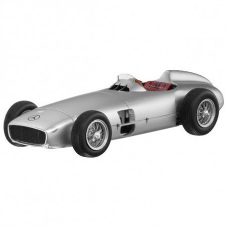 miniature de course formule 1 2 5 litres mercedes w196 1954. Black Bedroom Furniture Sets. Home Design Ideas