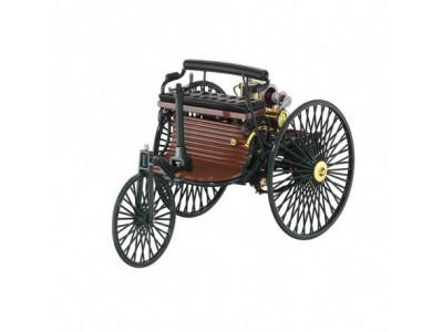 Voiture à moteur brevetée Benz