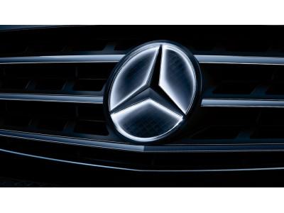 Etoile Mercedes éclairée, Elément de décoration